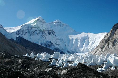 西藏绒布冰川