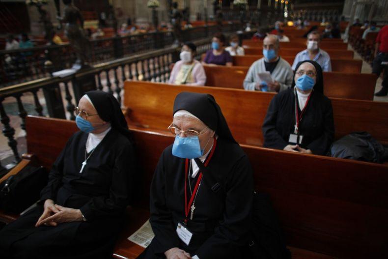 摄影图片:H1N1遮住了全世界的脸庞