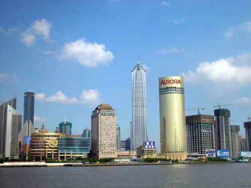 图片:上海浦东陆家嘴金融贸易区的金茂大厦