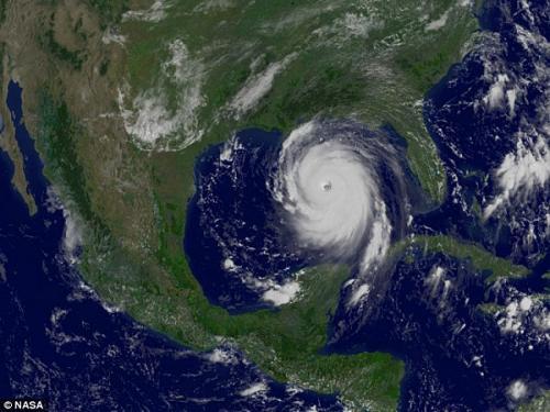 图片:2005年,GOES-12气候卫星拍摄到的最强程度的卡特里娜飓风